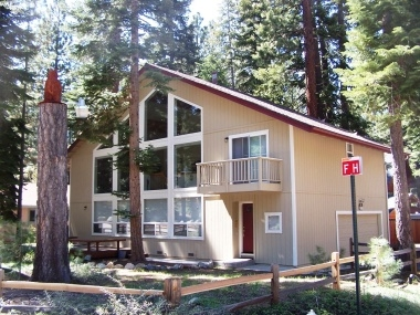 Comfortable 4-BR Family Home in South Lake Tahoe