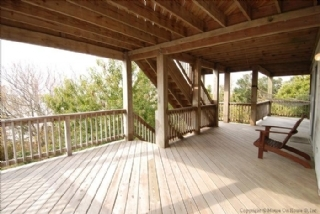 Mid level deck