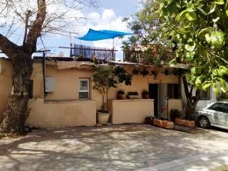 Yechieli 3-Neve Tzedek: just minutes from beach!