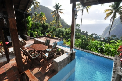 Hermitage Terrace: Piton and Ocean views