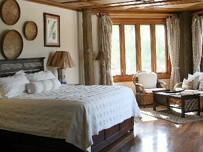 The master bedroom.  A king sized bed.