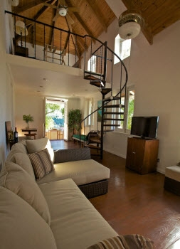 Luxury Villa Photo #4