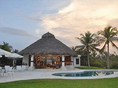 Villa Cid- Amazing Beachfront House