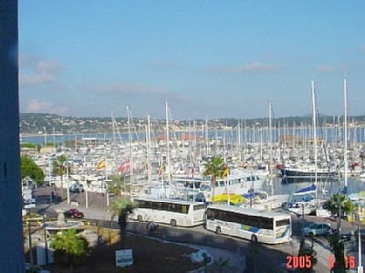 Apartment Rental: 3 Bedrooms in Bandol