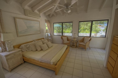 Luxury Villa Photo #6